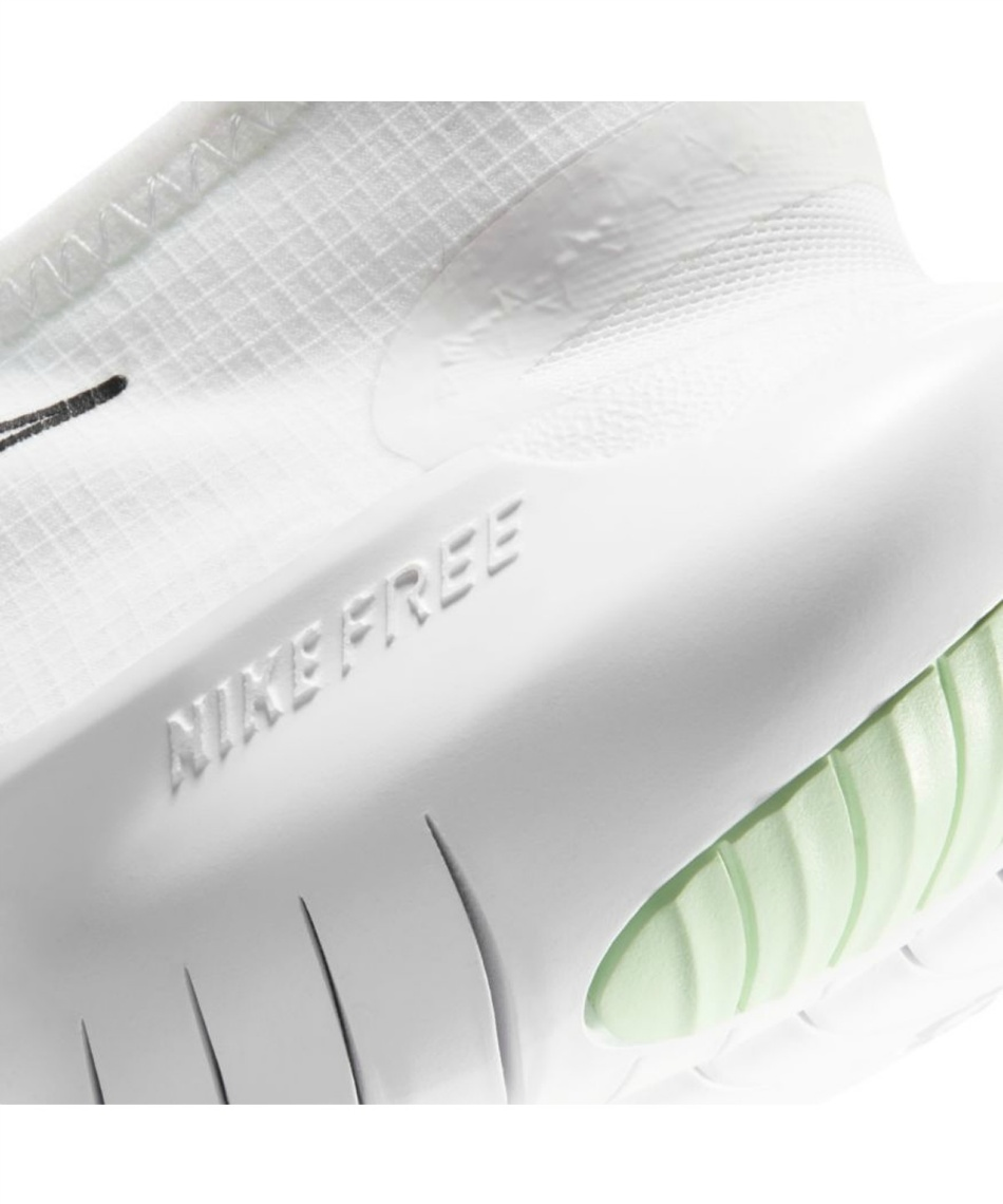 ナイキ(NIKE) ランニングシューズ フリーラン5.0 2020 CJ0270-102