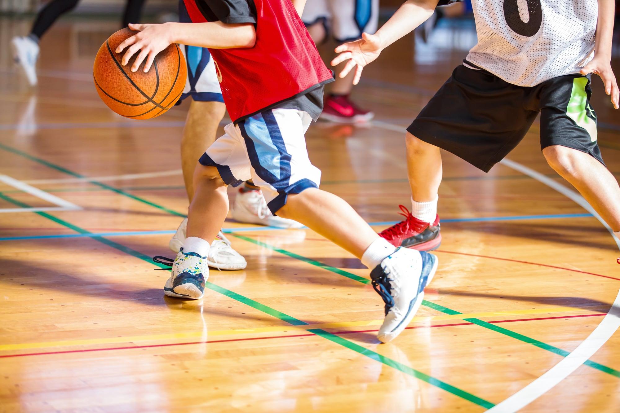バスケットボールシューズ
